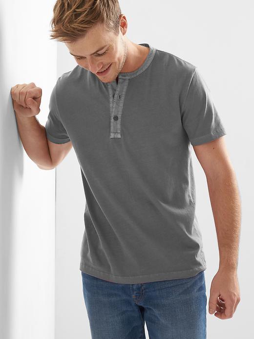 Gap Mens Soft Short-Sleeve Henley T-Shirt
