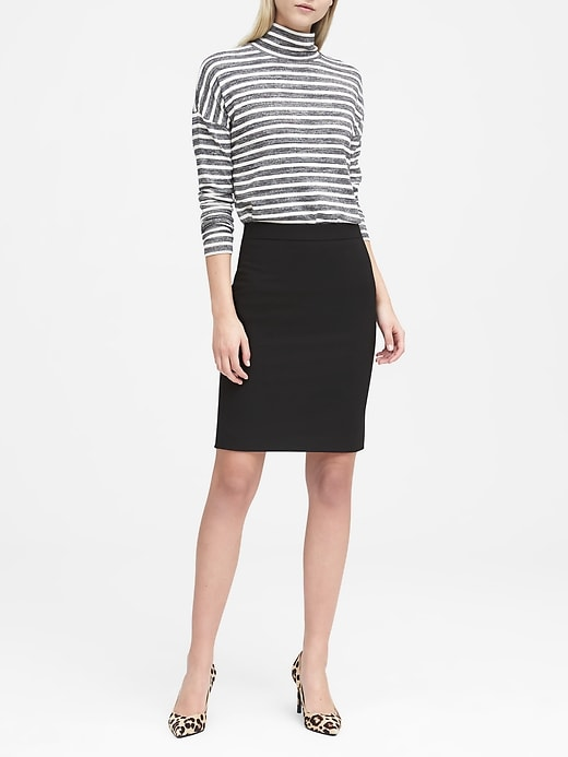 Lightweight Wool Pencil Skirt