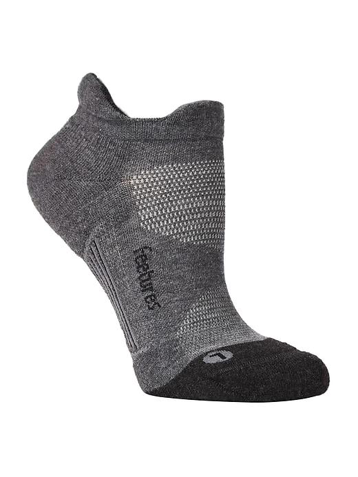 Elite Max Cushion No Show Tab by Feetures&#174