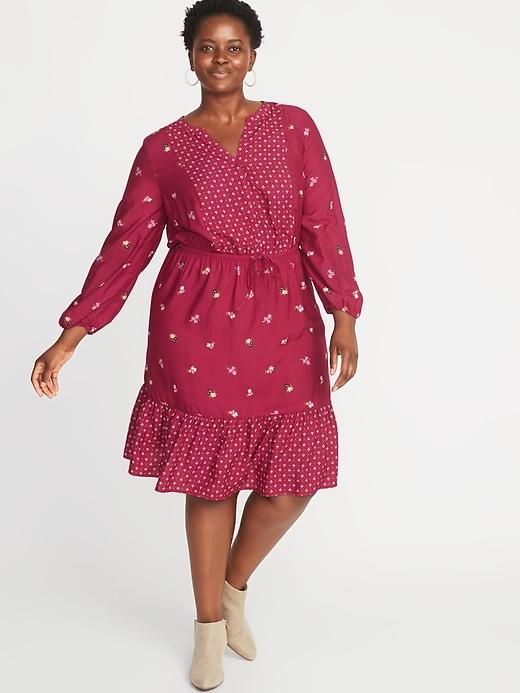 Waist-Defined Plus-Size No-Peek Dress