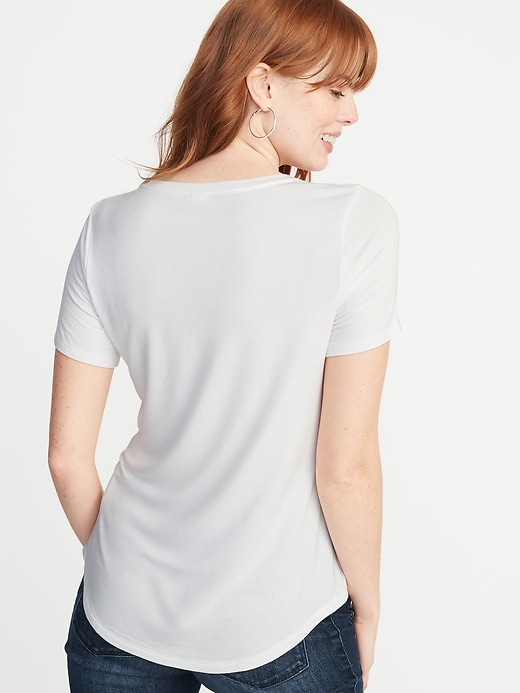 T-shirt luxueux à col enV pour femme