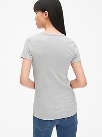 T-shirt ras du cou moderne