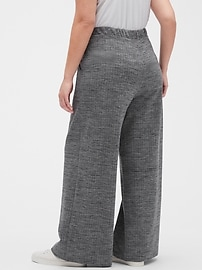 Textured Wide-Leg Knit Pant