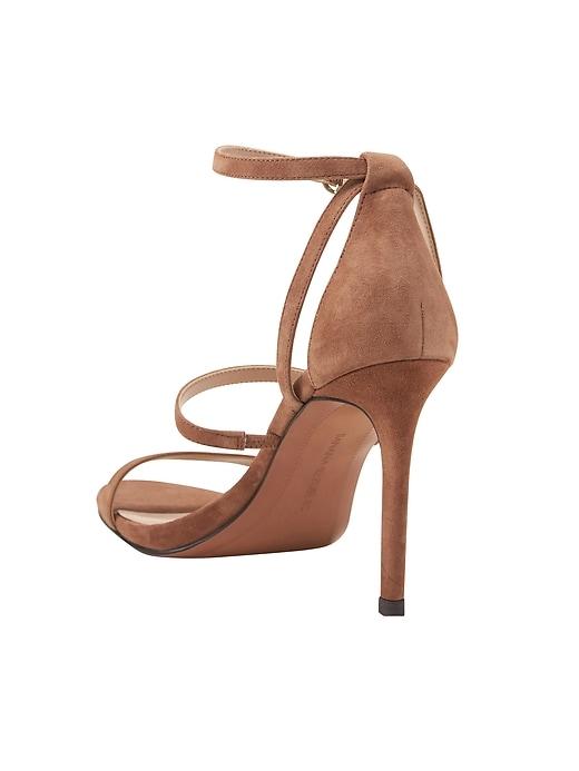 Sandales pied nu à talon haut