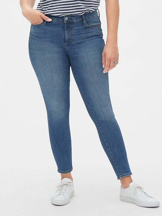 Mid Rise True Skinny Jeans in Sculpt