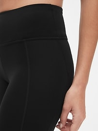 GapFit Crop Leggings in Sculpt Compression