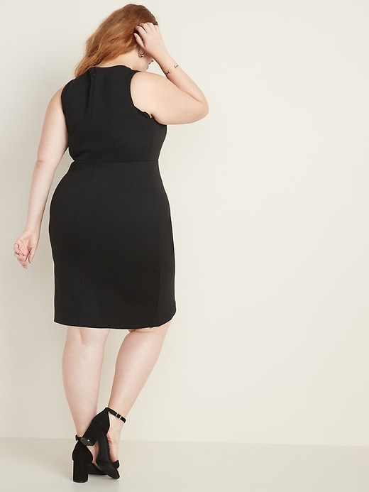 Secret-Slim Plus-Size Sleeveless Ponte-Knit Sheath Dress