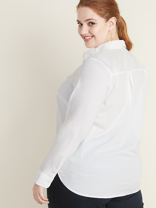 Relaxed Plus-Size No-Peek Stretch Shirt
