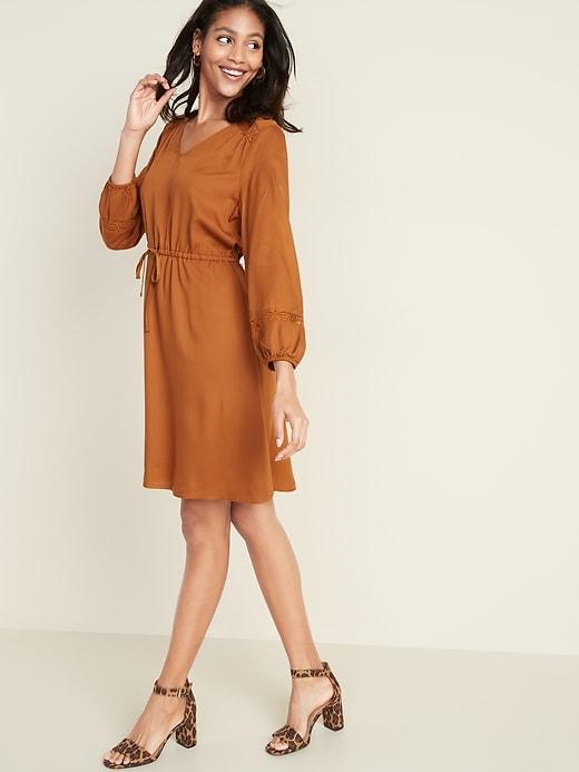 Waist-Defined Lace-Trim V-Neck Dress for Women
