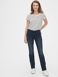 Mid Rise Classic Straight Jeans in 360 Stretch