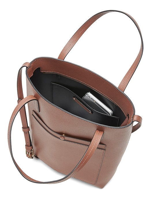 12-Hour Leather Tote