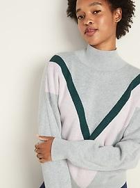 Color-Blocked Chevron Turtleneck Sweater for Women