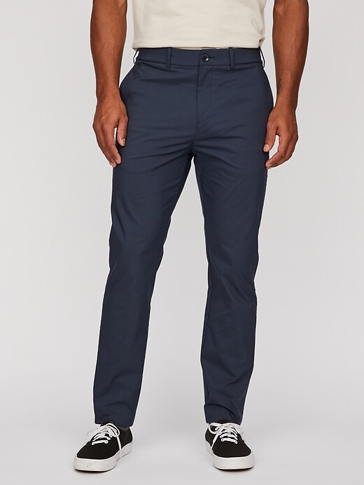 Everyday Tech Pant in Athletic Slim Fit