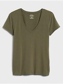 Timeless V-Neck T-Shirt