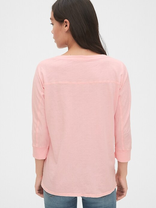 Slub V-Neck T-Shirt