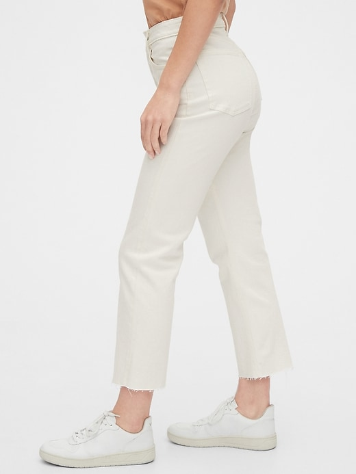 High Rise Curvy Cheeky Straight Jeans with Raw Hem