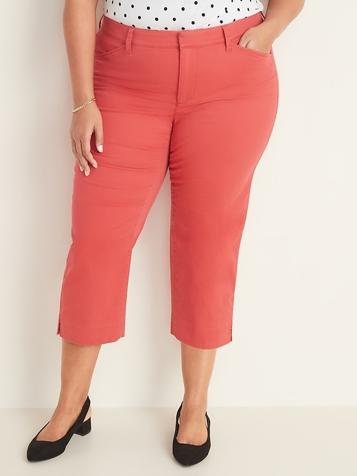 Mid-Rise Secret-Slim Pockets Pixie Chino Plus-Size Capri Pants