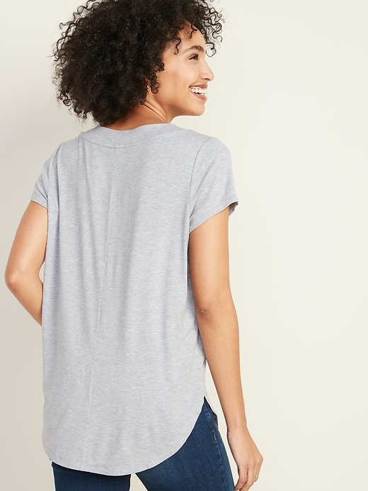 Loose-Fit Luxe V-Neck Tunic Tee for Women