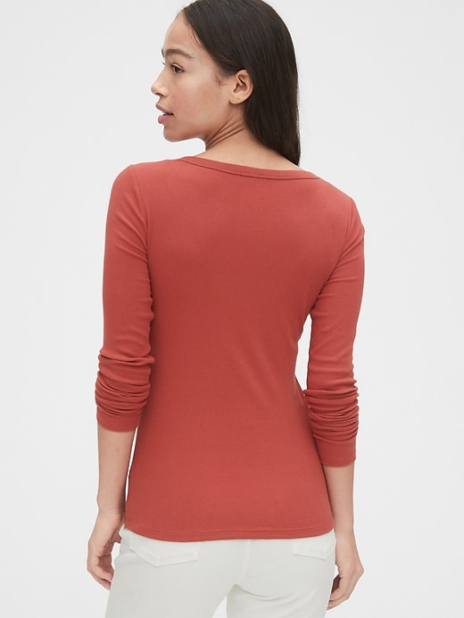 Scoopneck Long Sleeve Ribbed T-Shirt