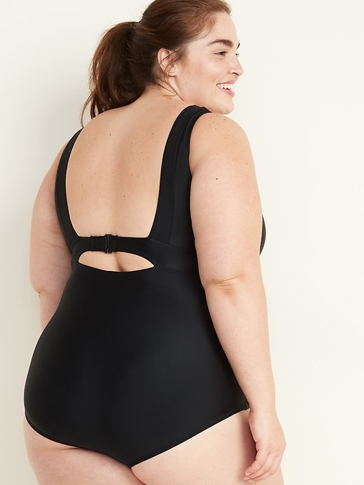 V-Neck Secret-Slim Underwire Plus-Size One-Piece Swimsuit