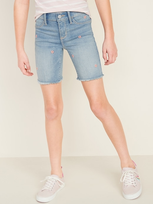 Ballerina Floral-Embroidered Cut-Off Jean Shorts for