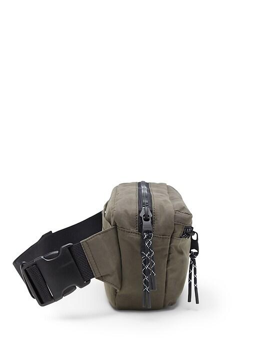 Water-Resistant Belt Bag