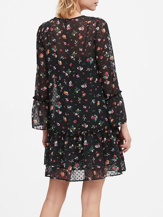 Robe taille basse à motifs texturés de fleurs