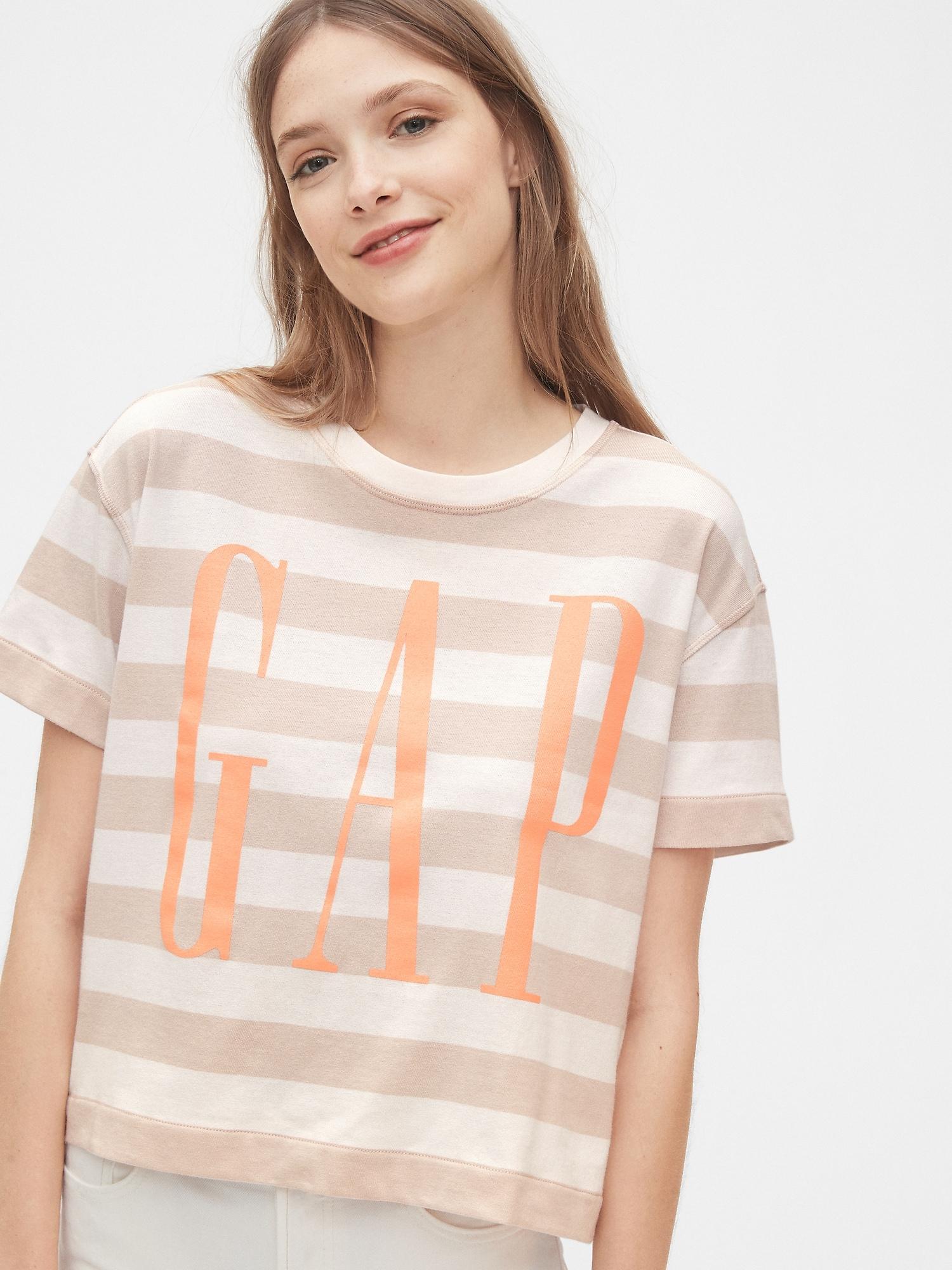 Gapロゴボクシーtシャツ