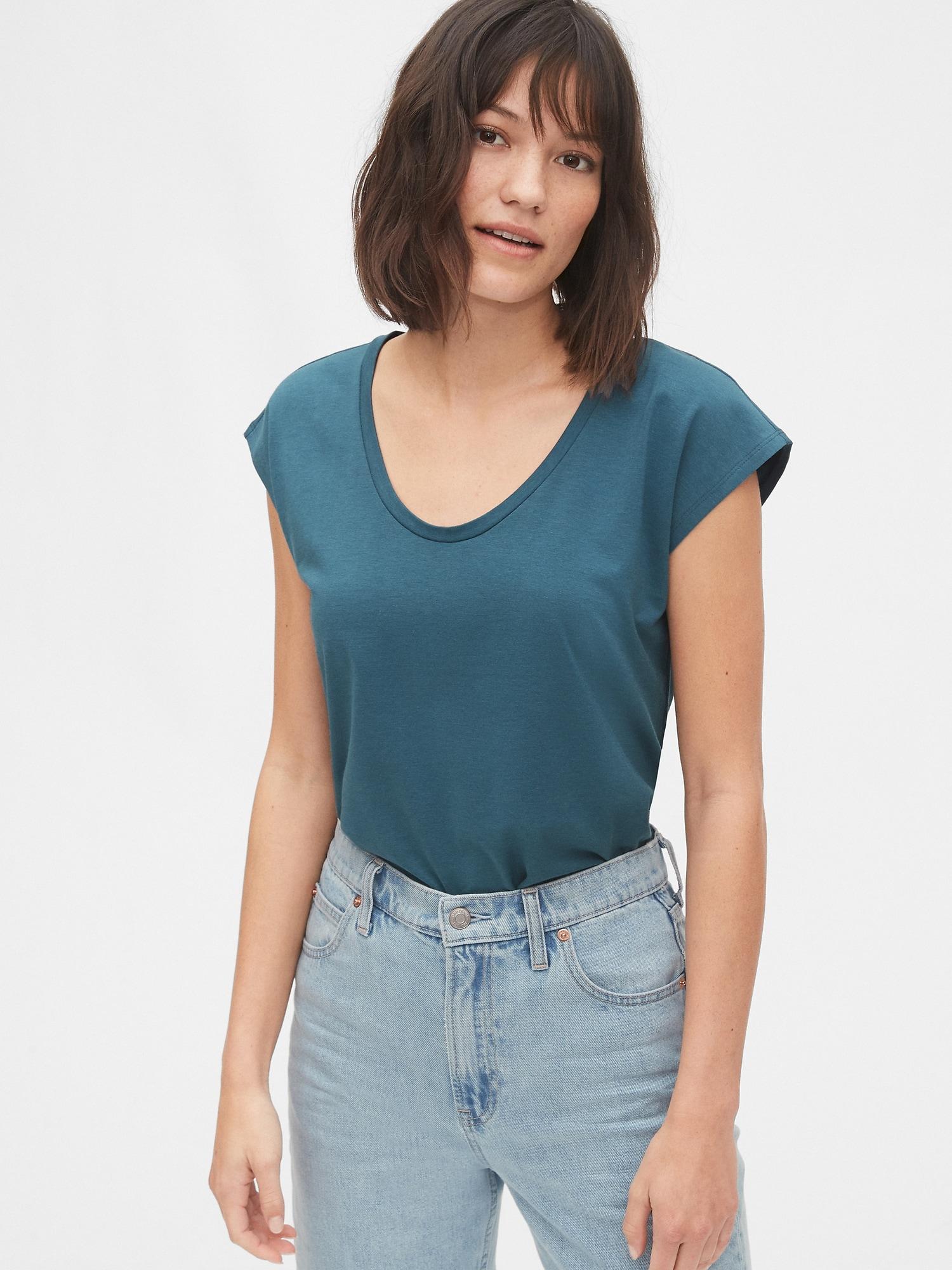 半袖スクープネックtシャツ