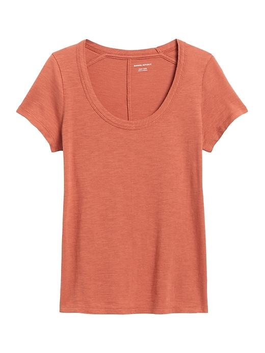 T-shirt à col échancré en coton et modal à fil flammé, coupe étroite