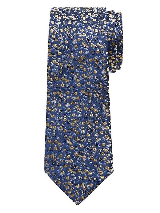 Cravate à fleurs rétro