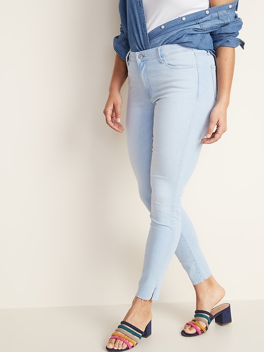 Mid-Rise Built-In Sculpt Raw-Edge Rockstar Jeans for Women